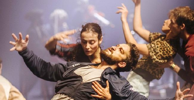 contemporanea danza  Los Teatros del Canal presentan Grand Finale, último espectáculo de Hofesh Shechter