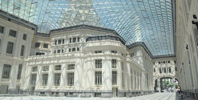 notas  Madrid celebra el centenario del Palacio de Cibeles con una gran verbena