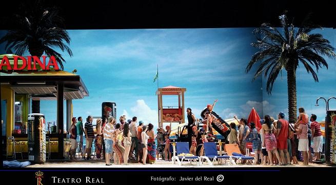lirica  El Teatro Real presenta una divertida producción de L'elisir d'amore