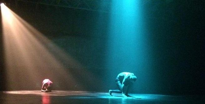 contemporanea danza  La Phármaco presenta la primera parte de Bekristen, una trilogía sobre la violencia del neoliberalismo