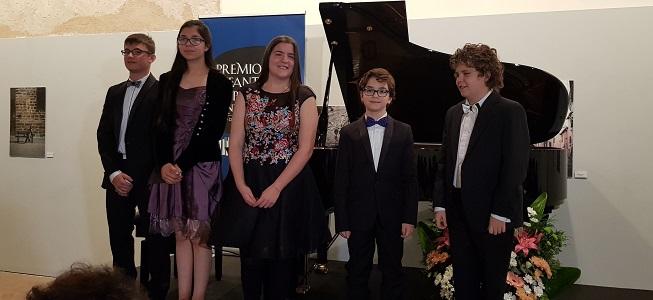 premios  Los hermanos Aracil Almarcha, ganadores de sus respectivas categorías en el 23 Premio Infantil de Piano Santa Cecilia – Premio Hazen