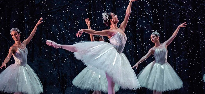 clasica danza  El Cascanueces, con la CND, llega al Teatro de la Maestranza