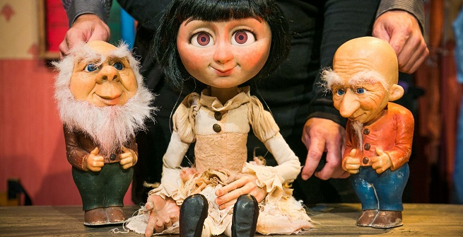 para ninos  Los tres cerditos, El patito feo o Blancanieves en la nueva temporada del ciclo infantil 'Los domingos al teatro'