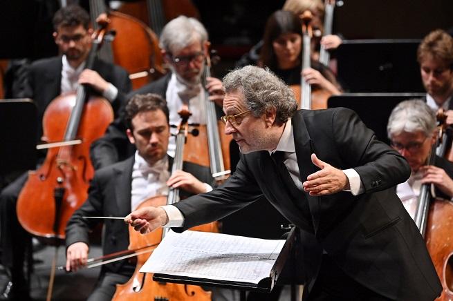 opinion  El coro y la orquesta del Liceu exhiben musculatura