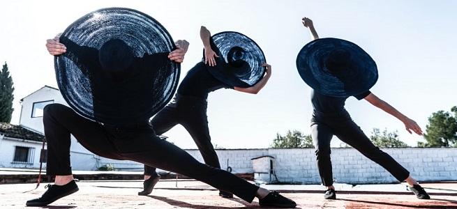 contemporanea danza  Daniel Doña presenta en el FEX de Granada 'Campo cerrado', una reflexión sobre identidad y diversidad