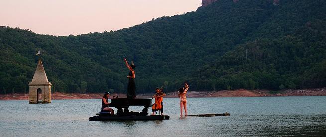 notas  El espectáculo acuático y musical PianOlà continúa su gira por España