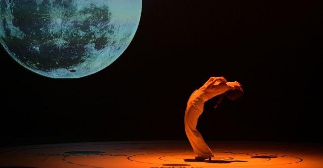 contemporanea danza  Olga Pericet presentaUn cuerpo infinitoen la Bienal de Flamenco de Sevilla