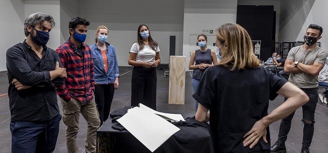lirica  Les Arts reúne a las jóvenes estrellas del repertorio mozartiano en el montaje de Così fan tutte que inaugura la temporada 2020 2021