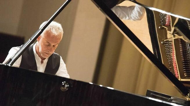 actualidad de centros  Recital de Chopin con Jean François Dichamp en la ESMUC