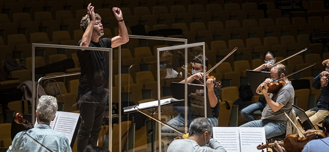 clasica  Les Arts és Simfònic inicia con la sinfonía Leningrado su temática alrededor de la resiliencia humana