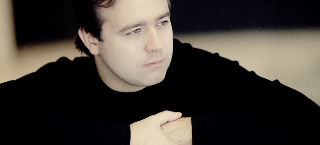 notas al reverso  Silencio se ruega, Gergiev vela a Chaikovski
