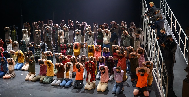 lirica  El Liceu estrena la ópera El Monstre al laberint, con puesta en escena de Paco Azorín y la participación de alumnos de Centros educativos