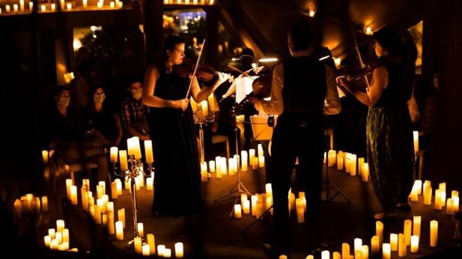 notas  Candlelight: Conciertos a la luz de las velas en el Círculo de Bellas Artes