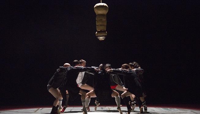 contemporanea danza  Sol Picóclausura la temporada del Teatro Español con el espectáculo de danzaDancing With Frogs